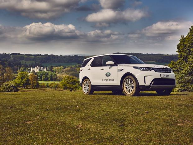 A driving experience with Land Rover Experience Eastnor