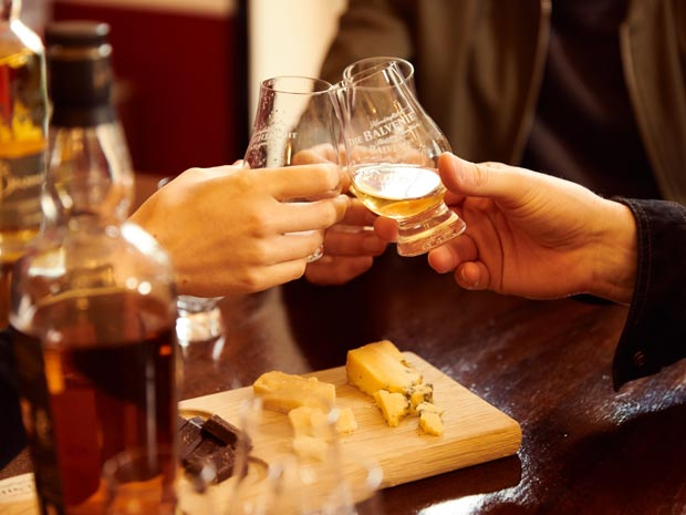 Whisky Tasting at Earl's & Co
